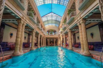 entrada-al-balneario-gellert-de-budapest-con-masaje-vip-in-budapest-285992
